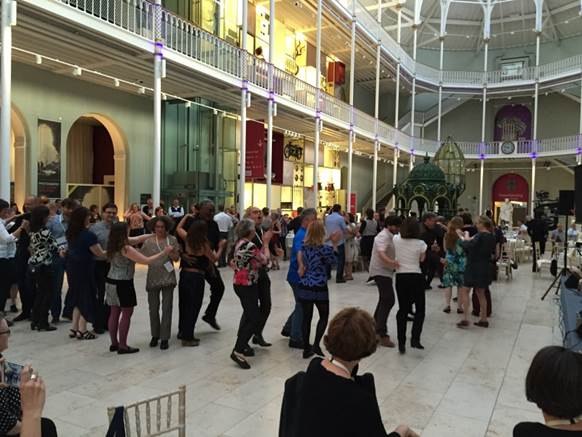 EAHIL Edinburgh dansing